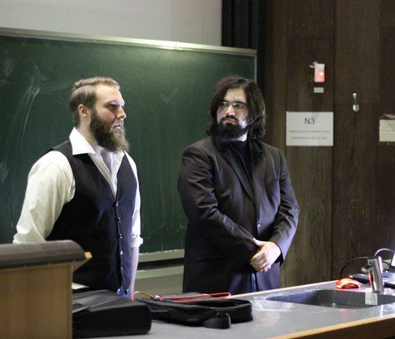 Privates Screening: Andi und Michael während der Moderation
