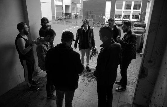 Schatten der Erde Dreh: Crew und Schauspieler